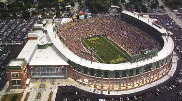 Green Bay Packers vs. Chicago Bears Football Game at Lambeau Field
